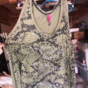 Sleeveless tank top with snake design